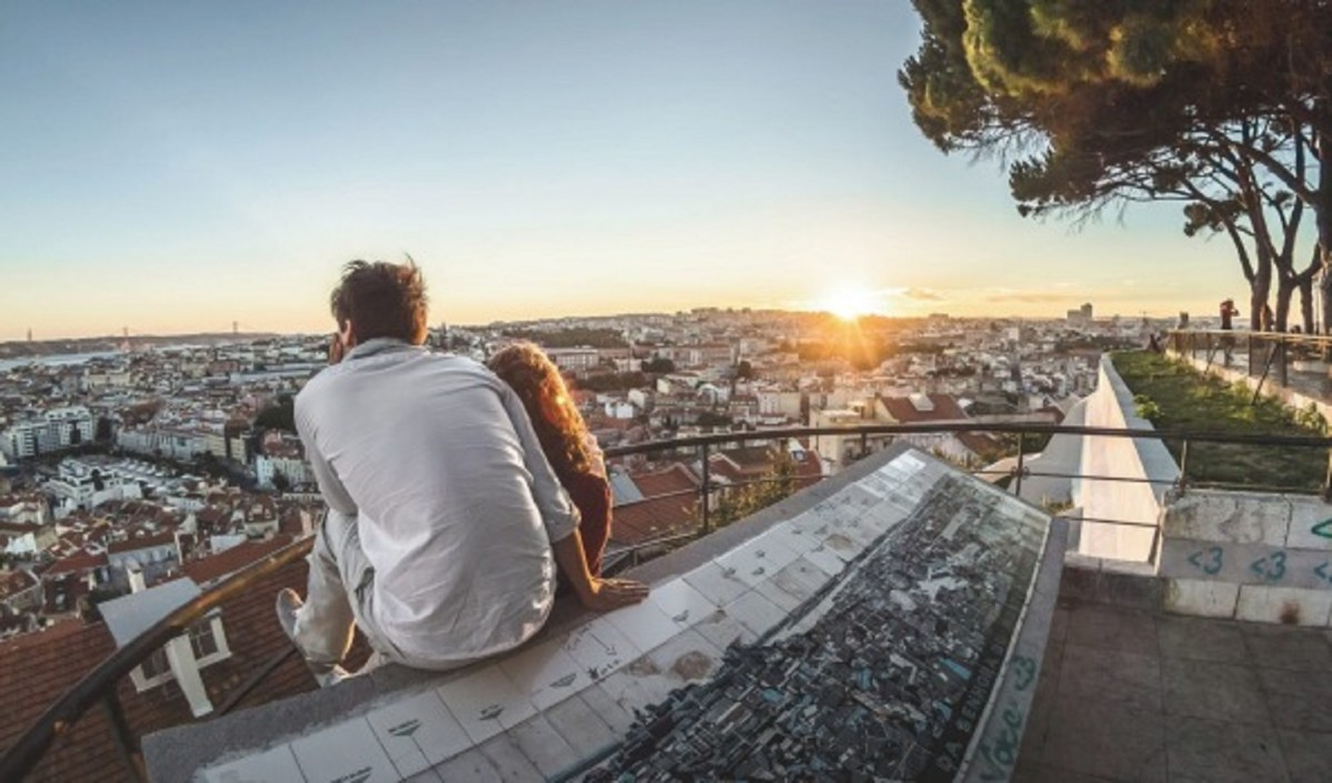 The viewpoint next to our hotel is again listed as one of the best in Lisbon :-)
