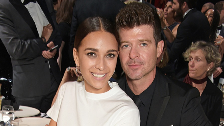 SPOTTED: Robin Thicke x April Geary