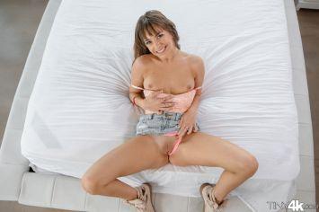 Tiny4k Kimmy Granger in Sexy Spinner 19