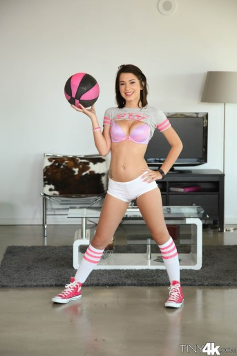 Tiny4k Joseline Kelly in One on One 4