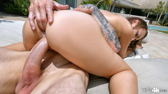 Tiny4k Sabrina Rey in Excessive Heat 15