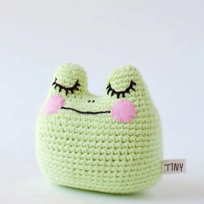 Tiny Curl Crochet Happy Little Frog Doll