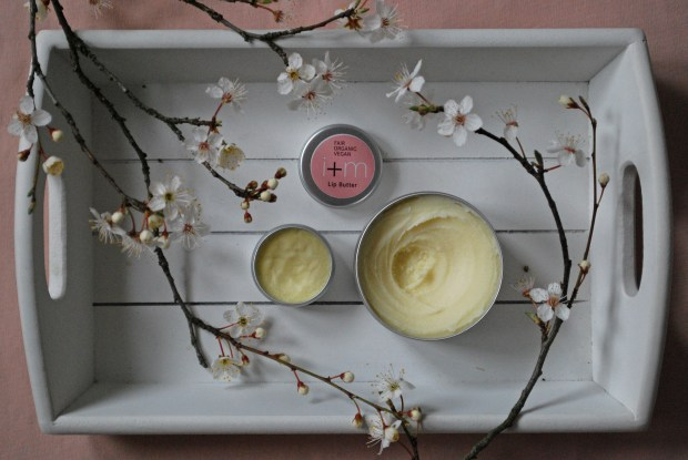 i+m Sheabutter, i+m Lip Butter, Sheabutter Anwendung, Sheabutter Anwendungsmöglichkeiten, Sheabutter Verwendung, i+m Review, faire Sheabutter, fairtrade Sheabutter