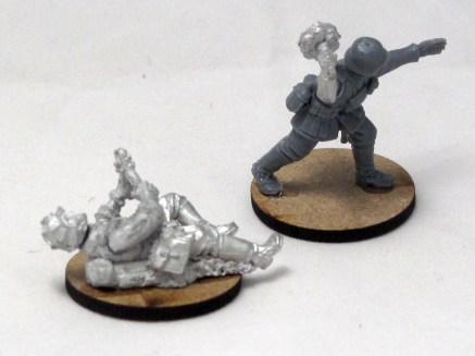 Spare guys to make up wire cutting parties and demolition teams. Not sure I'll have much call for these, but I might as well make them up.