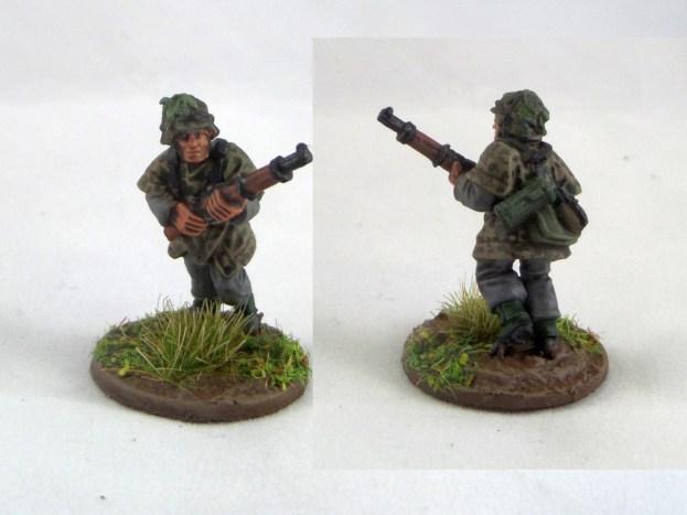 Rifleman in zeltbahn