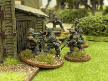 German MGs attempt to suppress the British while their patrol falls back