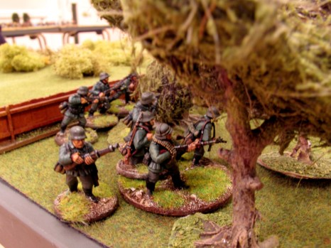 Eager to end the campaign, German troops infiltrate the outskirts of the village