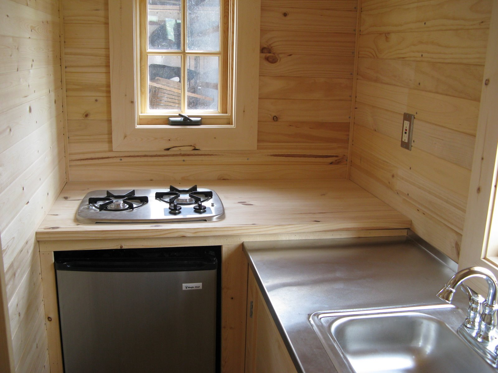hight resolution of tiny house cooking