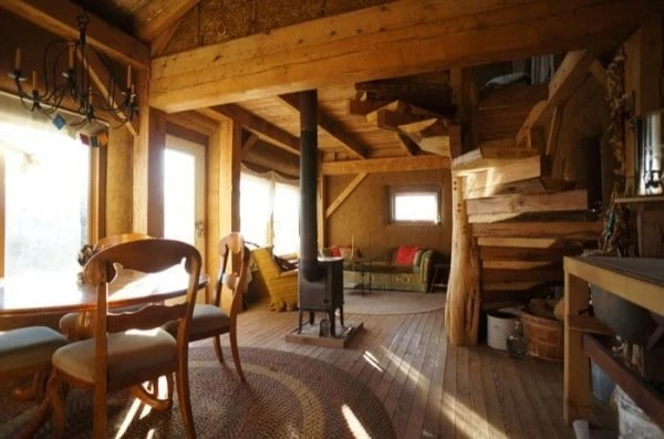 A Beautiful Sustainable Cabin Made From Timber Mud Amp Straw