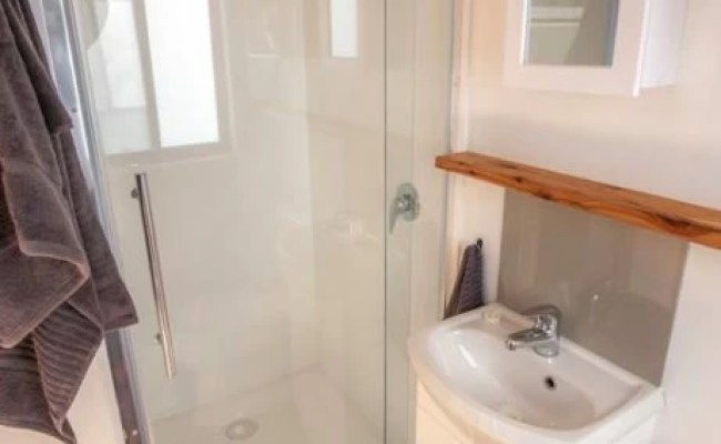 Stylish Australian Tiny Home W Space Saving Murphy Bed