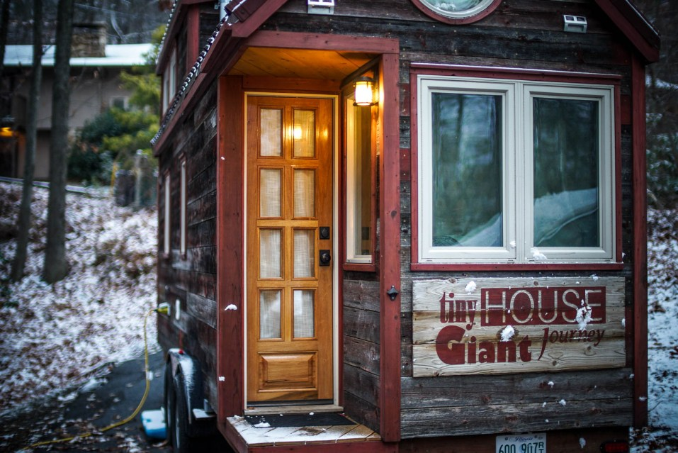 THGJ Gatlinburg Snow Driveway - 0004