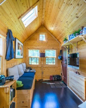 Tiny Tack House - 0045