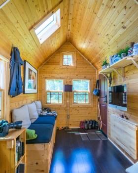 Tiny Tack House - 0045
