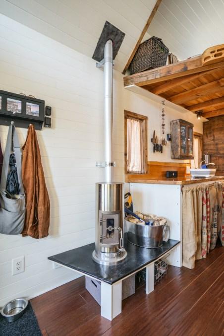 tiny house interior 0006 - Tiny House Interior