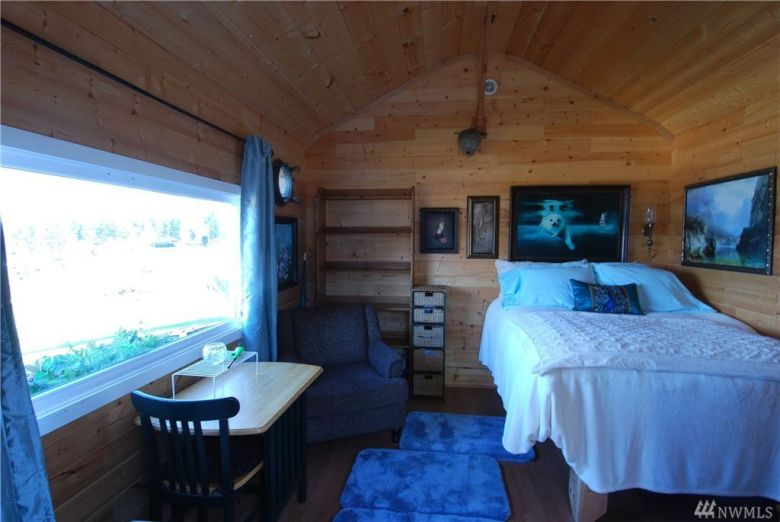 One Room Tiny Cabin for sale in Union WA 003