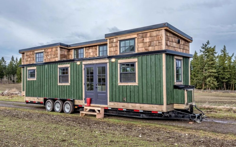 Family of Fours 375sf West Coast Tiny House by Summit Tiny Homes in Vancouver 001