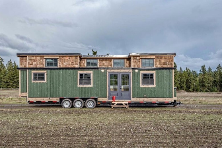 Family of Fours 375sf West Coast Tiny House by Summit Tiny Homes in Vancouver 0011