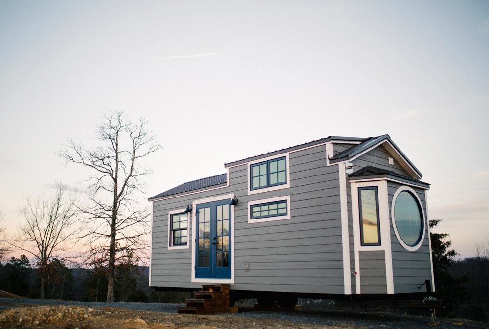 monocle by wind river tiny homes tiny houses on wheels for sale listings. Black Bedroom Furniture Sets. Home Design Ideas