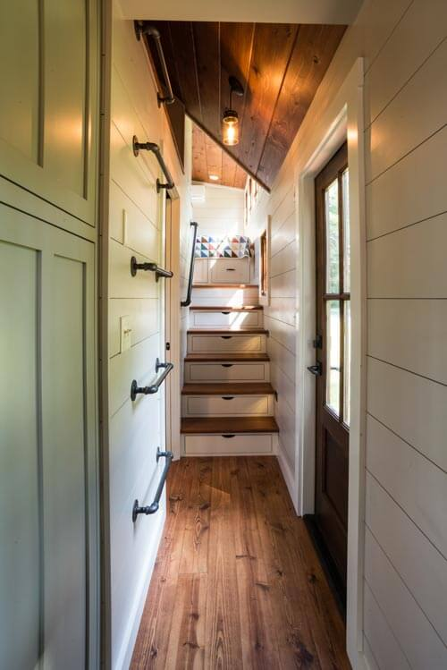 denali by timbercraft tiny homes tiny houses on wheels for sale listings. Black Bedroom Furniture Sets. Home Design Ideas