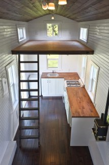 Loft - Tiny House Swoon