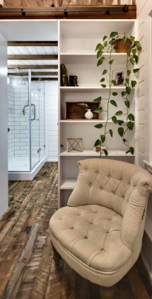 Rustic Loft - Tiny House Swoon