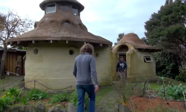 10k-tiny-earth-dome-home-001
