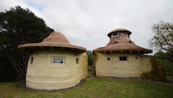 10k-tiny-earth-dome-home-0013