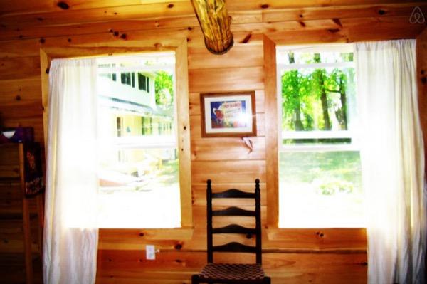 12-x-16-Amish-Built-Tiny-House-007