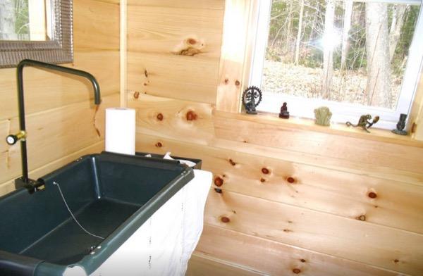 12-x-16-Amish-Built-Tiny-House-008