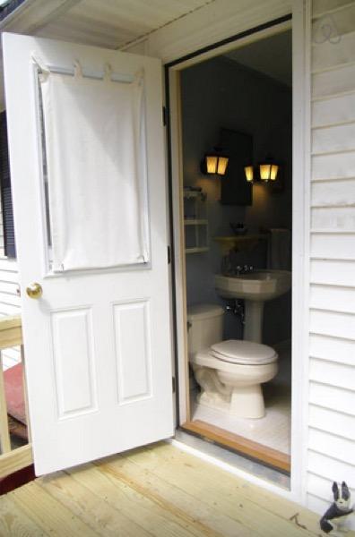 12-x-16-Amish-Built-Tiny-House-009