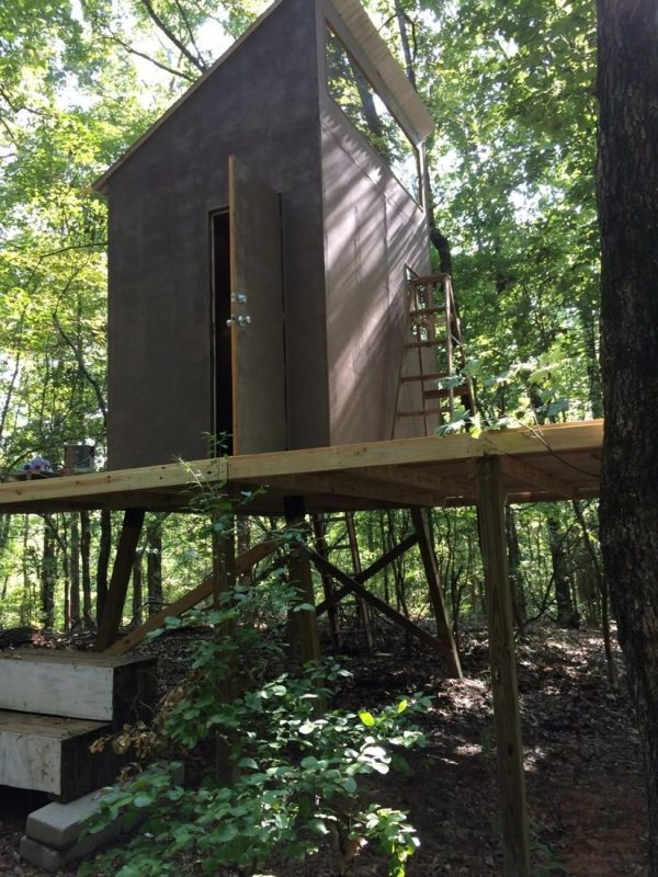 160-sq-ft-tiny-cabin-in-the-woods-0001