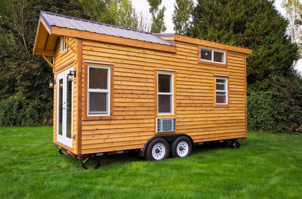 160-sq-ft-tiny-house-on-wheels-by-tiny-living-homes-0002