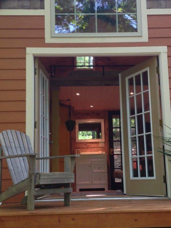 180-sq-ft-otter-den-tiny-house-008