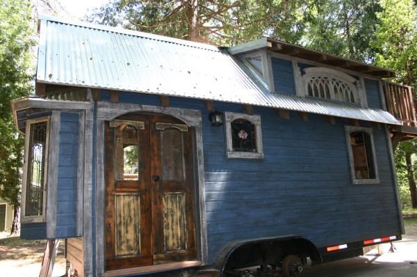 1904 Rustic Vintage Tiny House with Loft Balcony 001