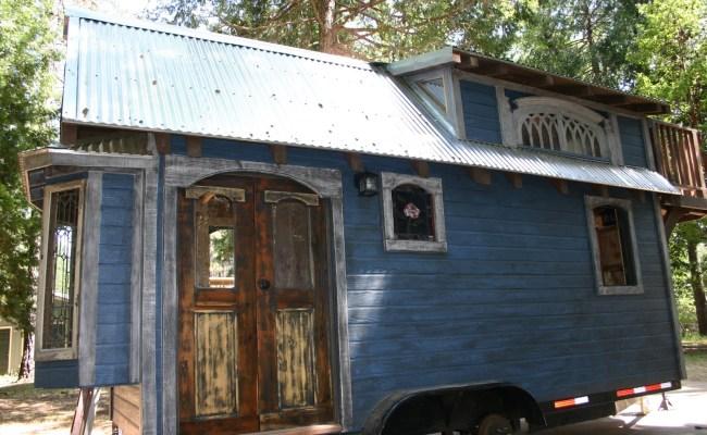 1904 Rustic Vintage Tiny House With Loft Balcony