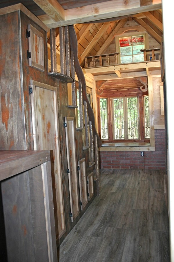 1904 rustic vintage tiny house with loft balcony for Victorian tiny house for sale
