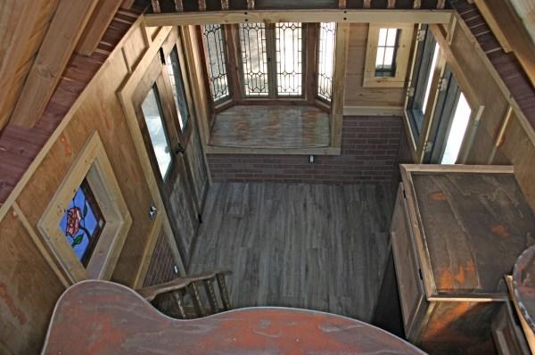 1904 Rustic Vintage Tiny House with Loft Balcony 009