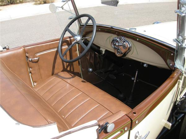 1929-ford-model-a-roadster-with-59-teardrop-camper-004