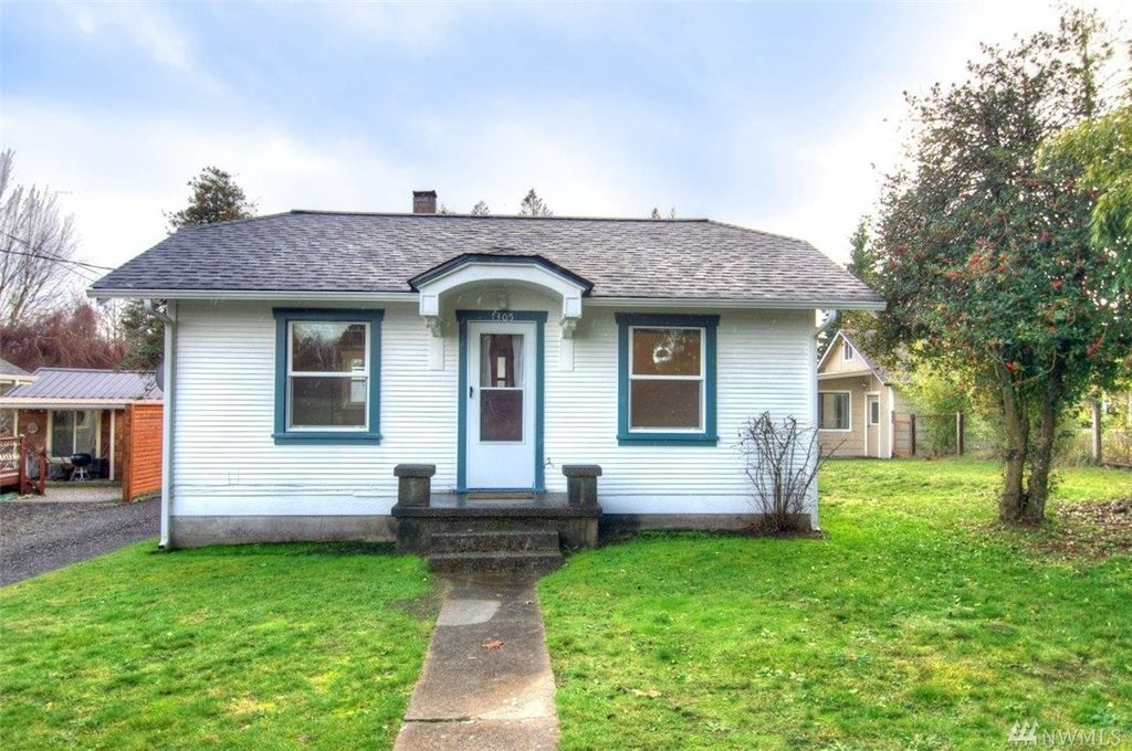 1930s bungalow in olympia for Bungalow style homes for sale