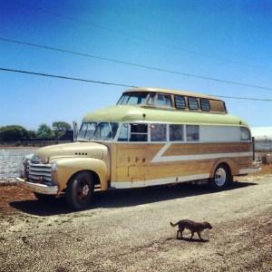 1948-chevy-bus-tranformation-12