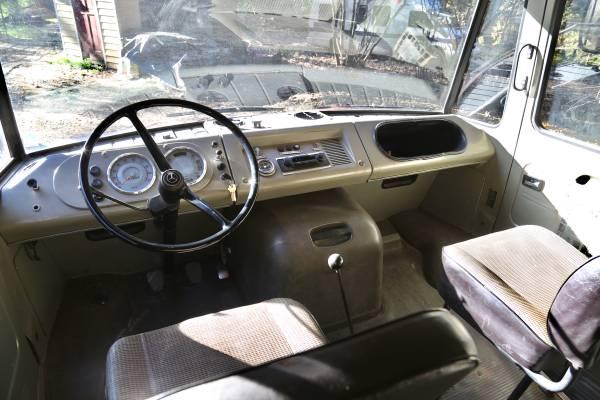 1967 Mercedes 408 G Firetruck_004
