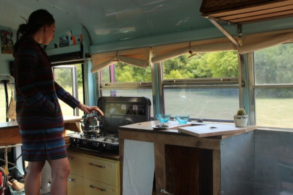 Students Convert Short Bus Into 160 Sq Ft Diy Motorhome