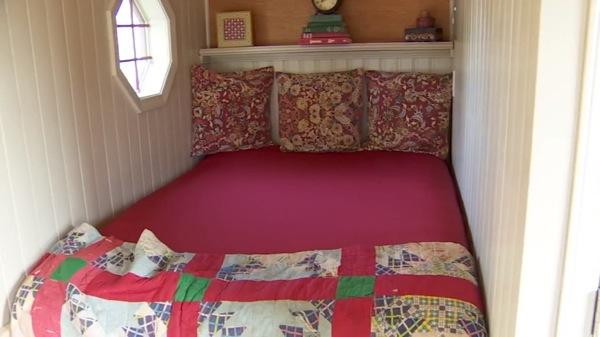 200-sq-ft-irish-cottage-tiny-house-07
