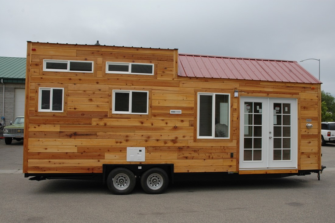 208 sq ft tiny house on wheels by tiny idahomes. Black Bedroom Furniture Sets. Home Design Ideas