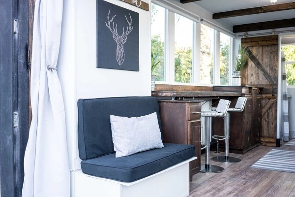 20ft Luxury Shipping Container Tiny House_002
