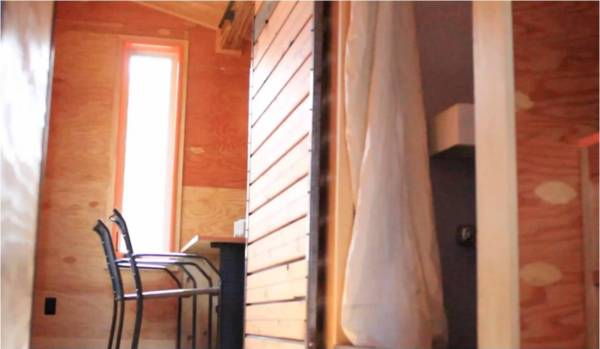 220-sf-tiny-house-5