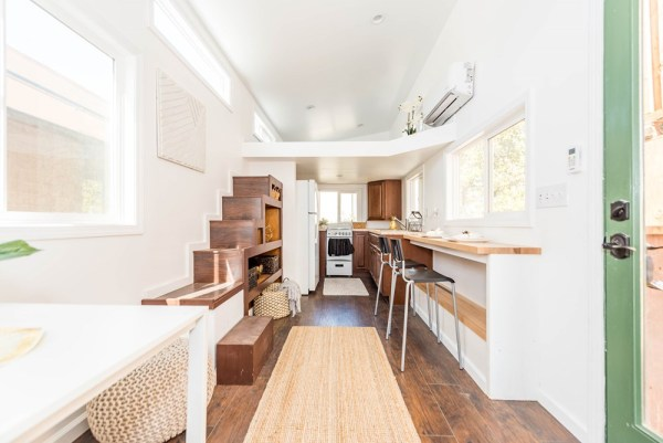 24 Modern Caravan by Tiny House Cottages_022