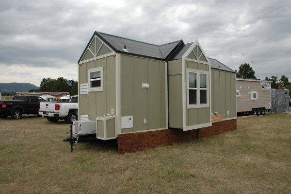 250-sq-ft-expanding-tiny-house-rv-with-slide-outs-014