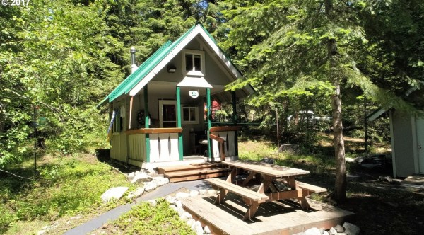 252 Sq. Ft. Tiny Cottage on 2 Acres in Baker City, OR