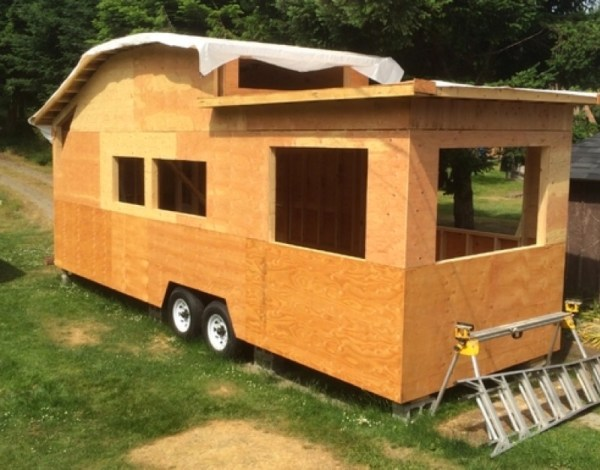260 Sq Ft Curved Roof Tiny Home by Structural Spaces 0012
